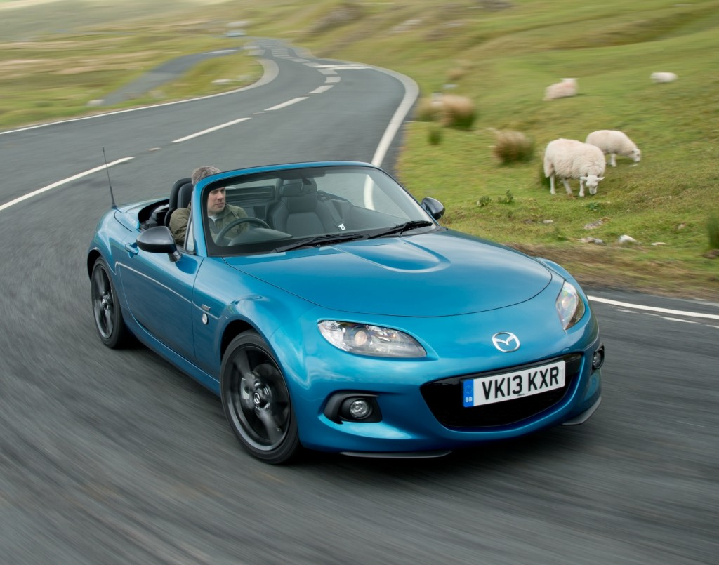 Green_Flag_Mazda_MX5_Credit_Mazda