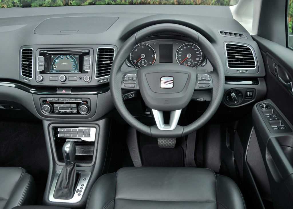Seat Alhambra dashboard is clear and easy to use