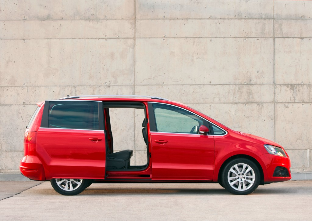 Seat Alhambra With Sliding Rear Doors Green Flag