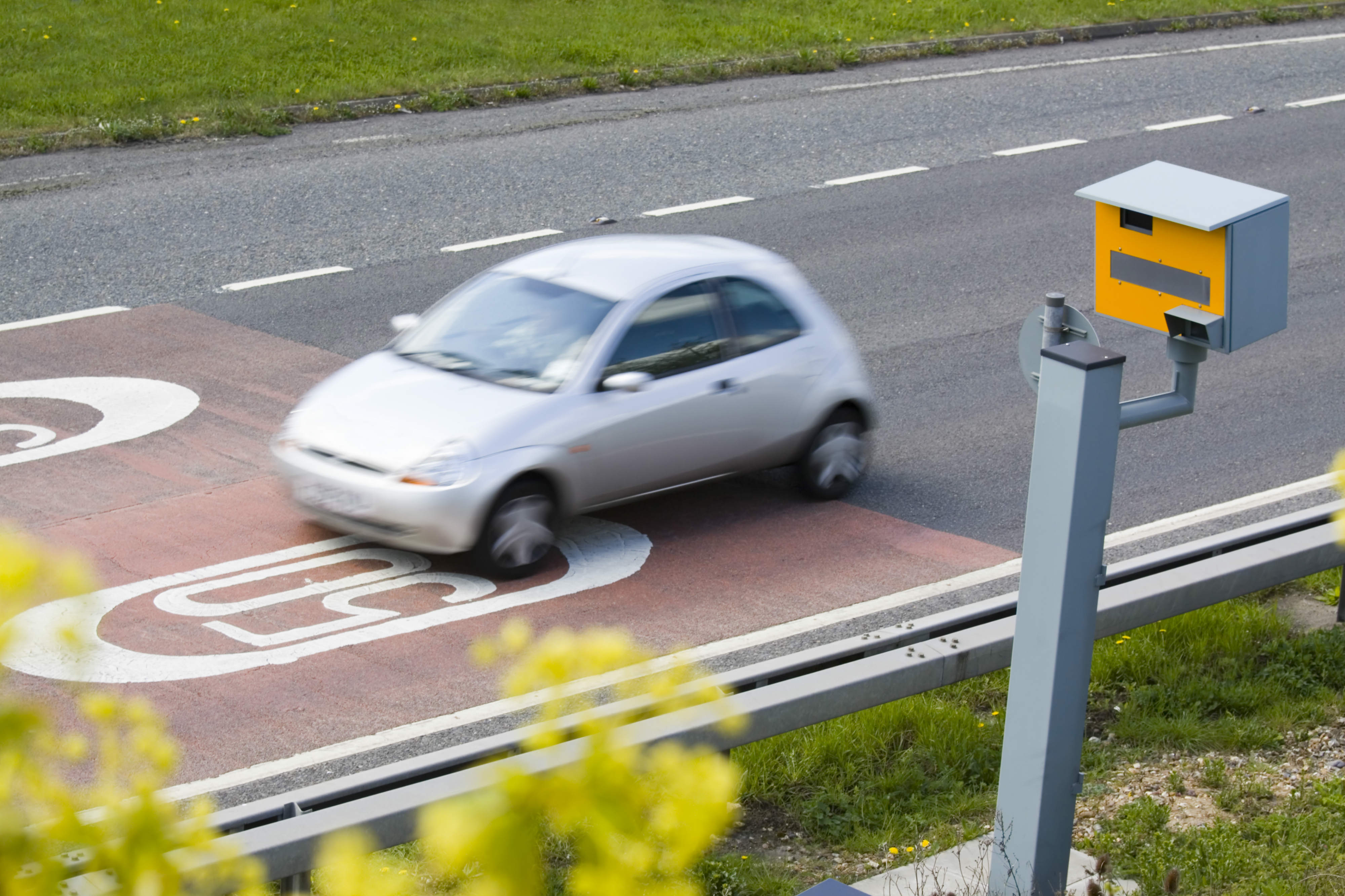 Stealth speed cameras attacked by critics