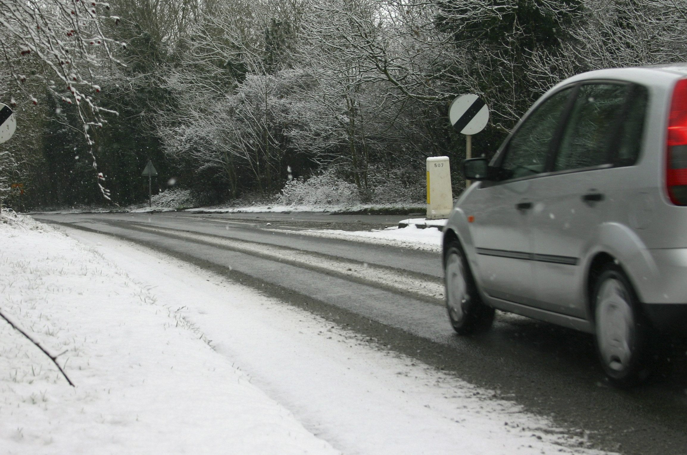 Winter driving emergencies and how drivers can deal with them