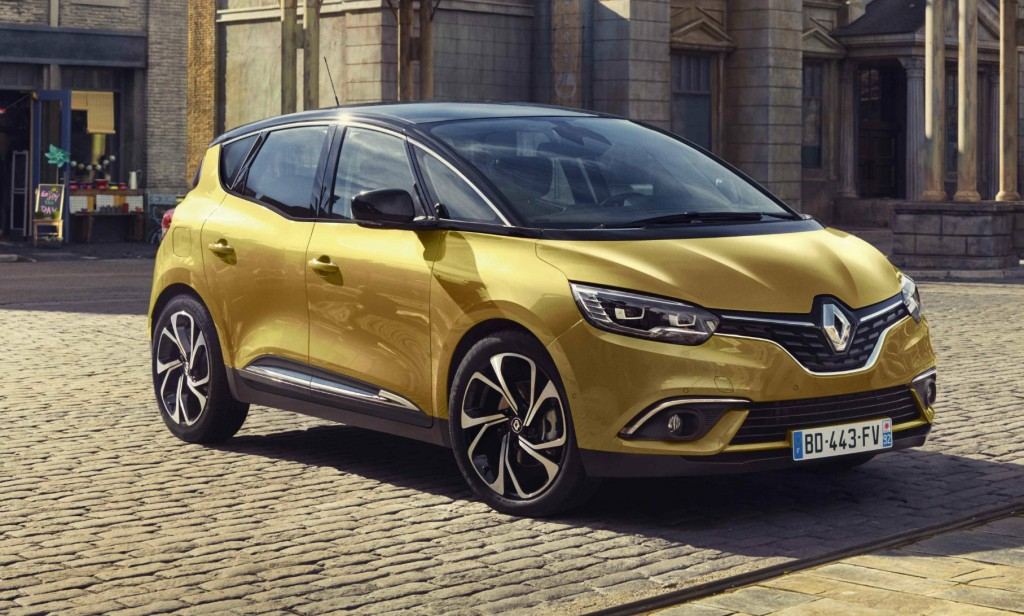 The 2016 Renault Scenic mixes SUV style with people-carrier practicality