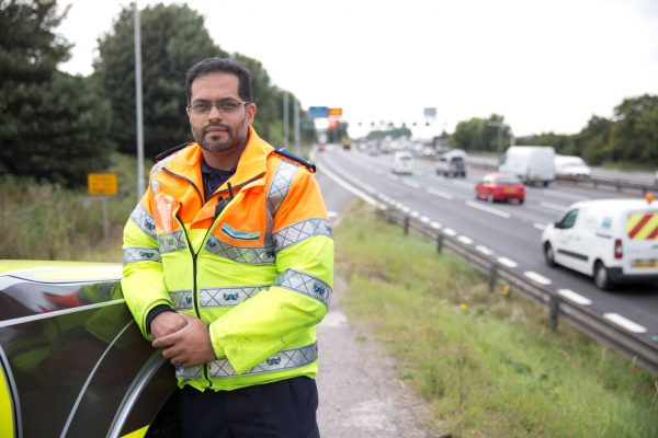 Do Traffic Officers have powers to stop vehicles?