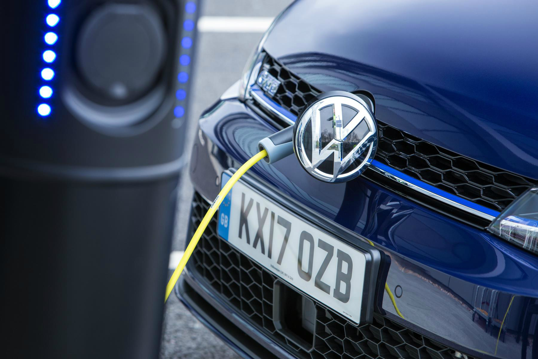 How popular are hybrid and electric cars in the UK?