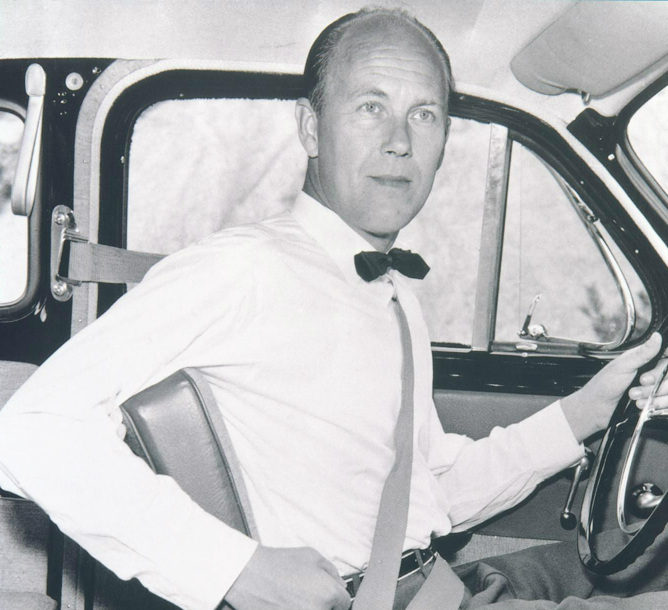 This Swedish engineer invented the three-point seatbelt; what was his name?