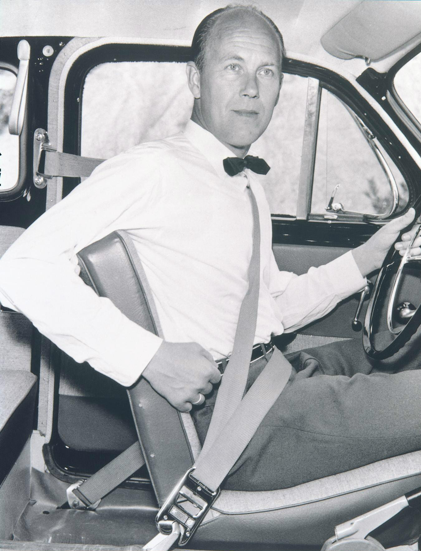 Nils Bohlin invented the three-point seatbelt