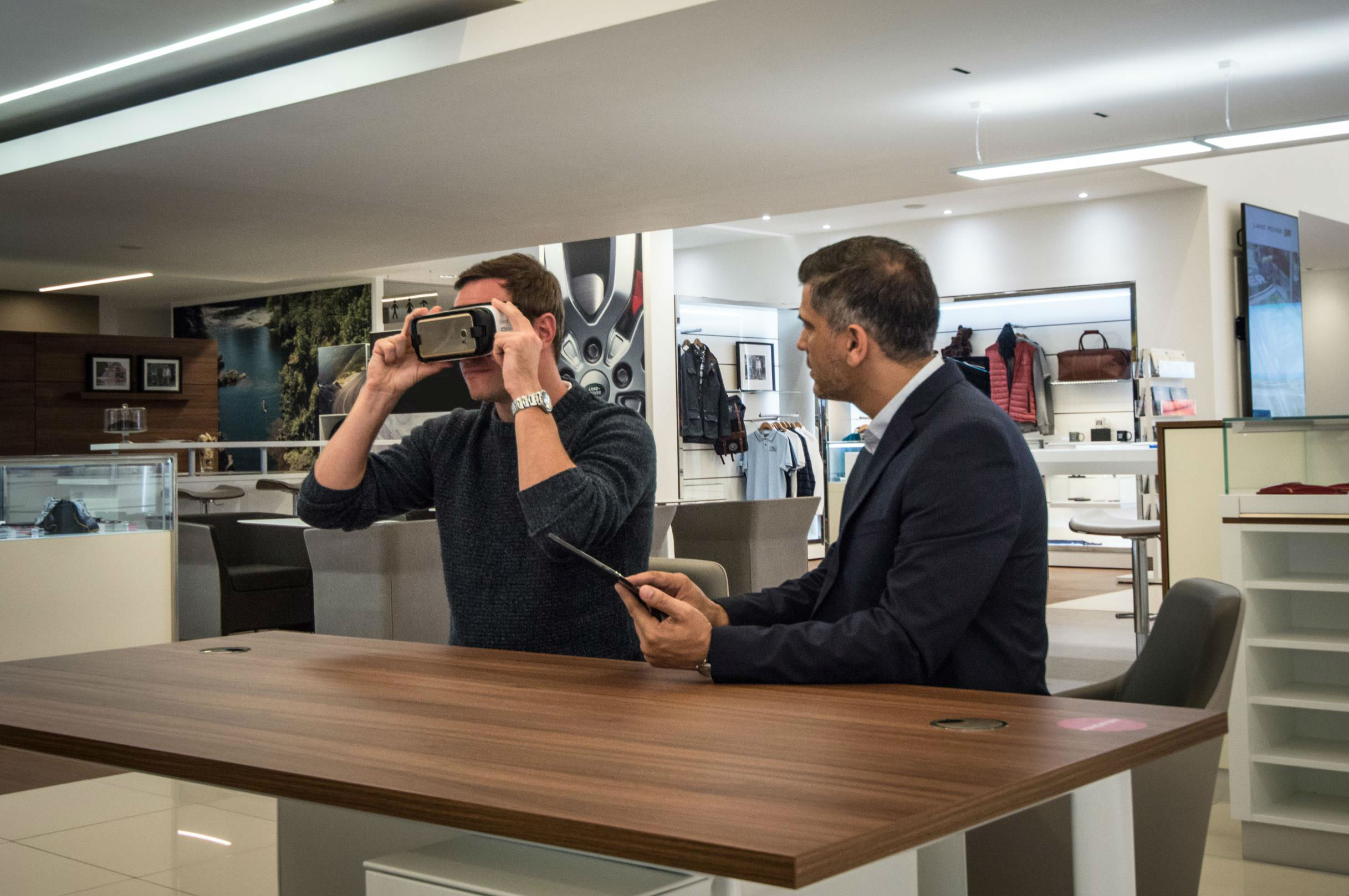 Jaguar Land Rover showrooms feature virtual reality