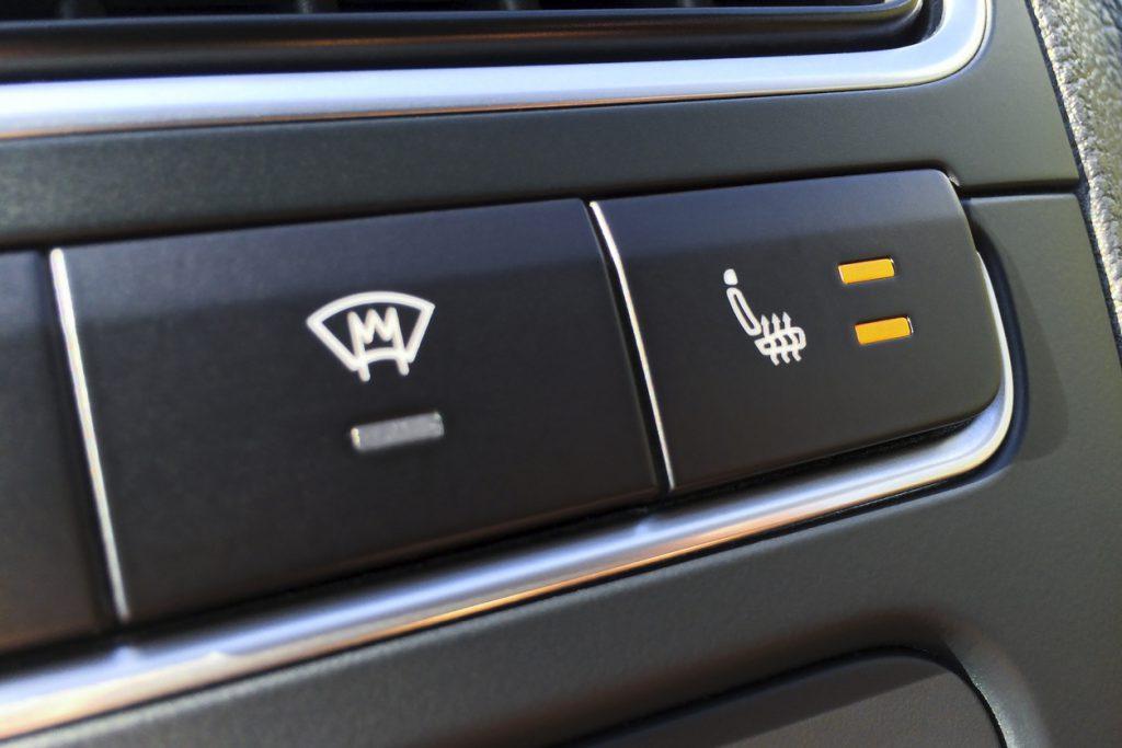 heated windscreen